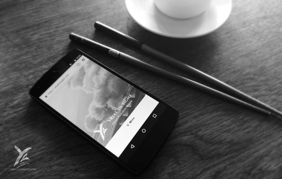 nouvelle page d'accueil pour Yrial in Sight vue sur mobile / smartphone